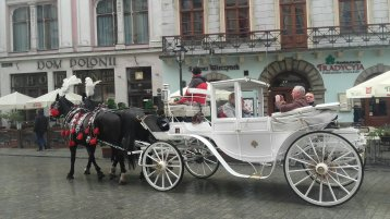 MorePlanesThanTrains-Krakow Square